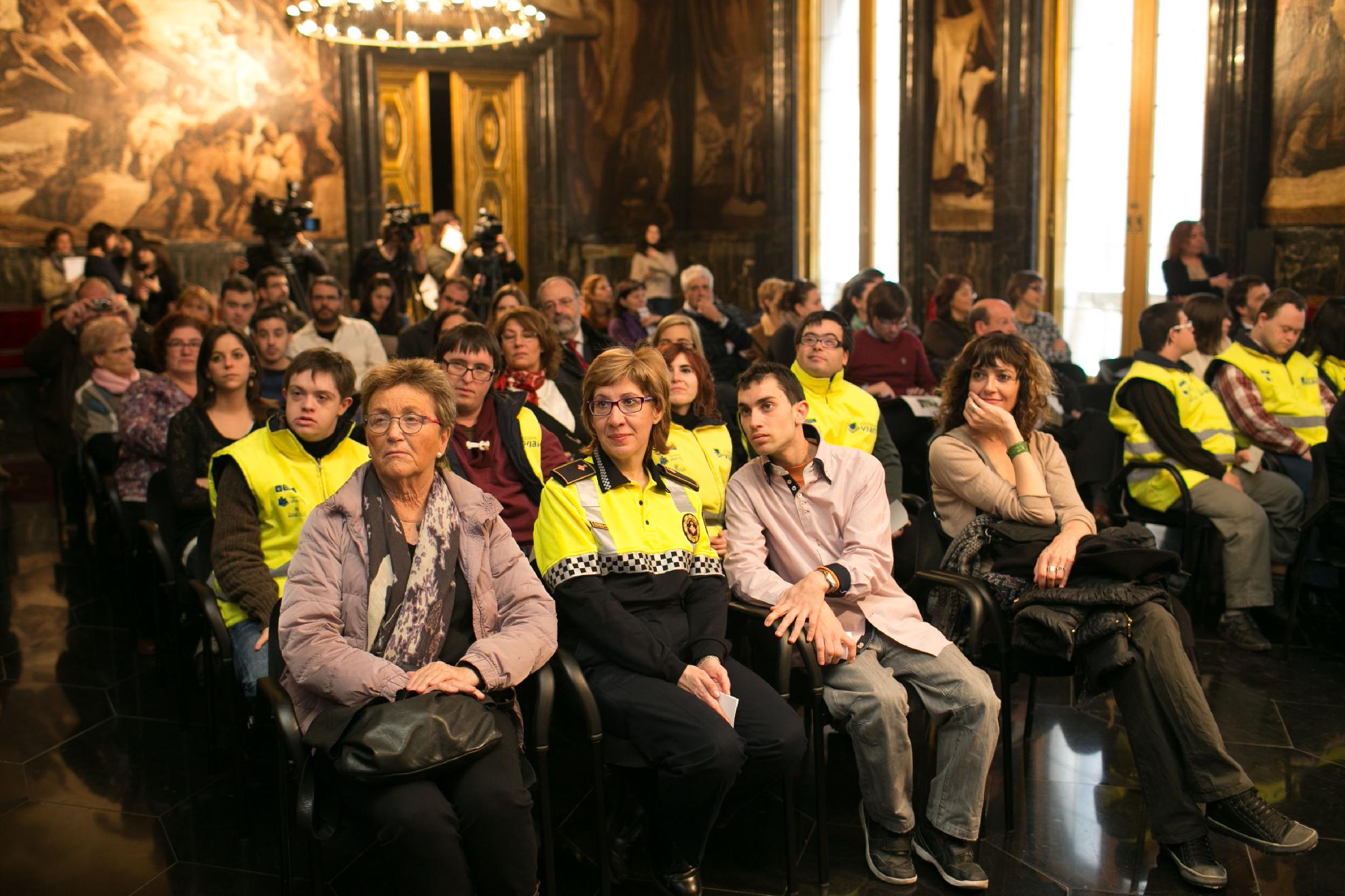 el-proyecto-de-educacin-vial-que-da-trabajo-a-jvenes-con-sndrome-de-down-se-ampla-a-4-escuelas-de-barcelona_8475868060_o.jpg